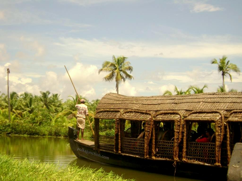 Kettuvallam country boat