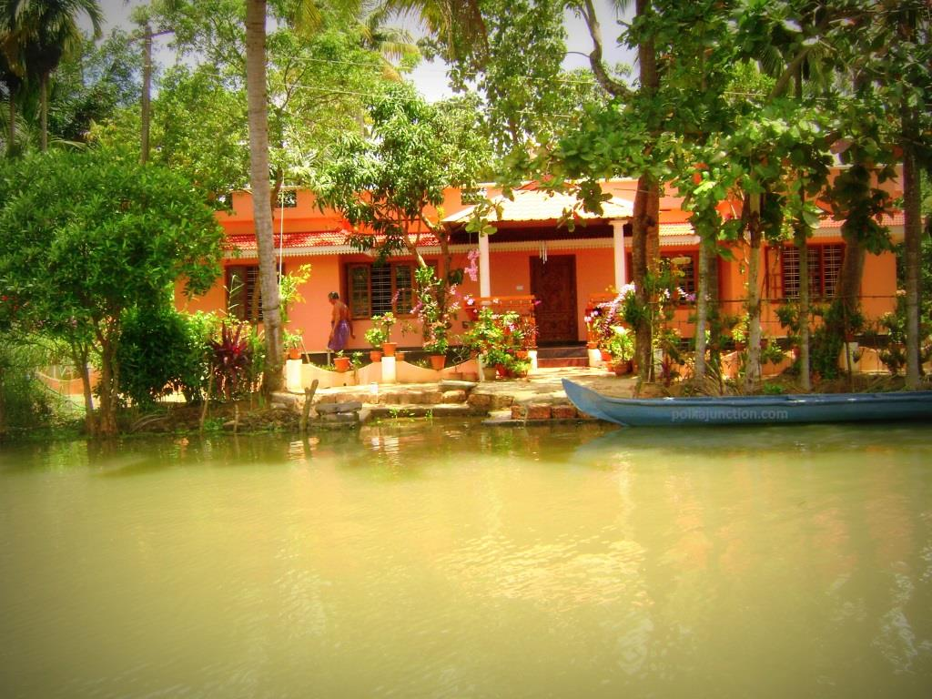 One of the village homes along the banks of the backwaters